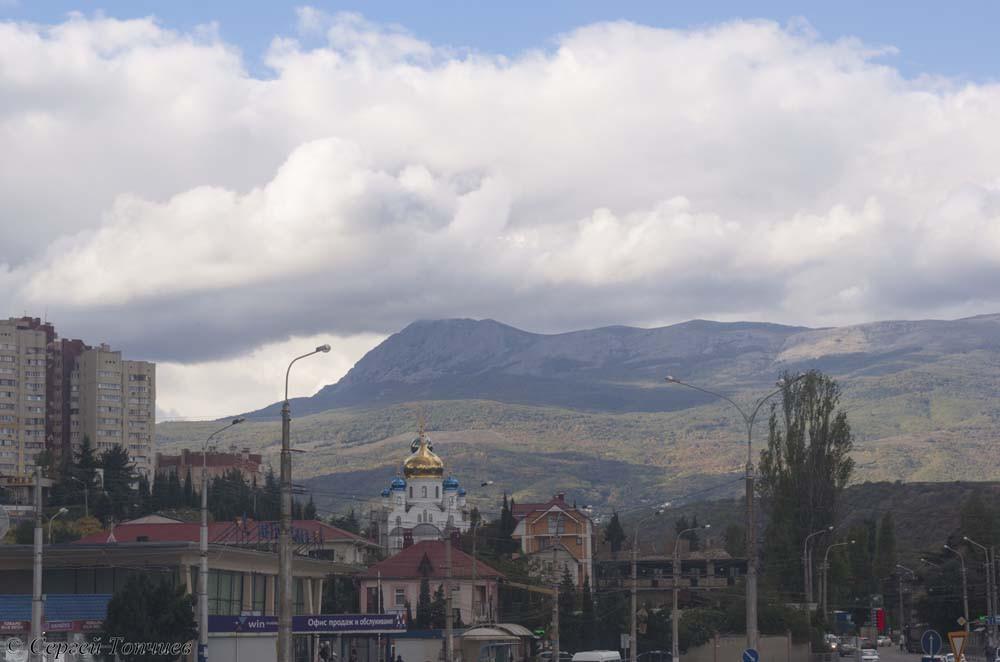 Вид на храм. Алушта. Крым.