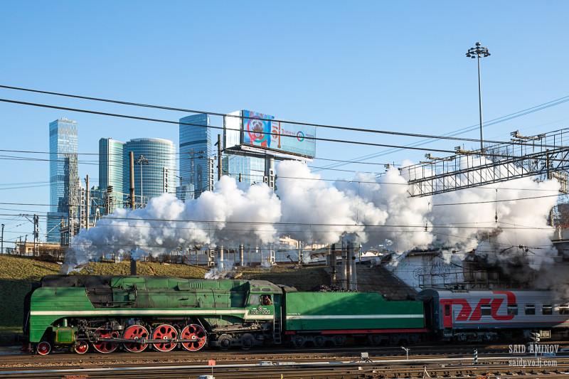 Вот такая картинка ретропоезда получилась  с Москва-Сити