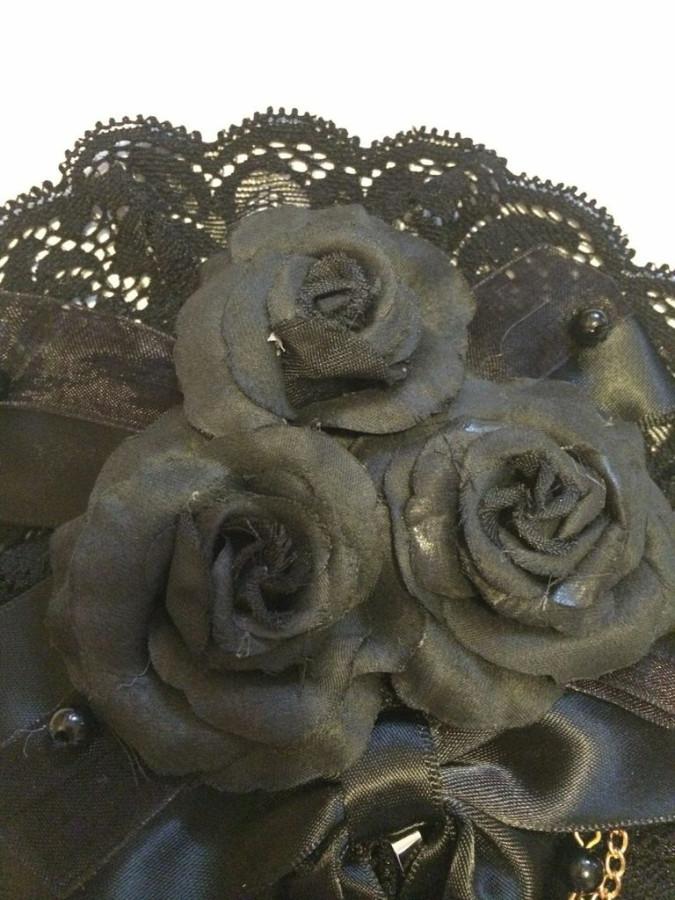 black canotier closeup