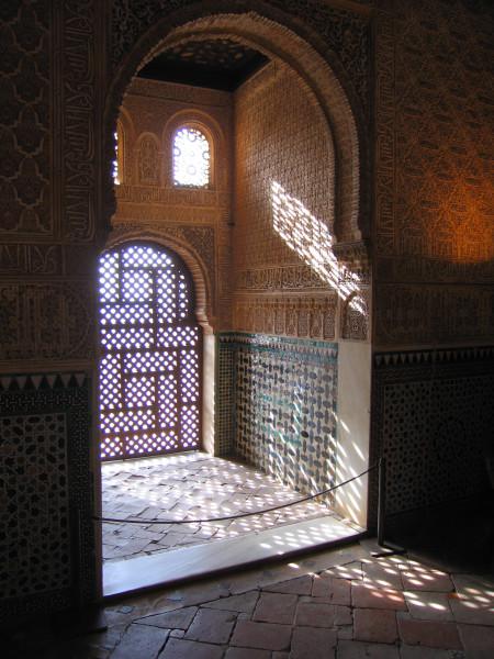 Alhambra-Granada-Hall_of_Ambassadors