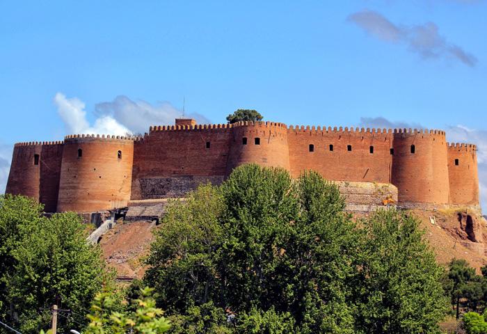 Крепость Фалак-оль-Афлак, Иран