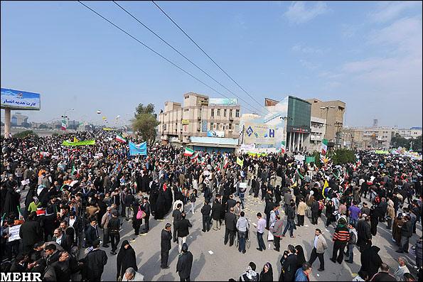 Жители Ахваза празднуют годовщину Исламской революции