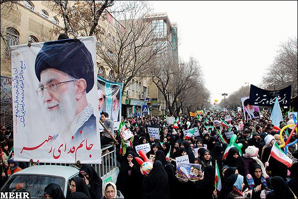 Жители Тэбриза празднуют годовщину Исламской революции