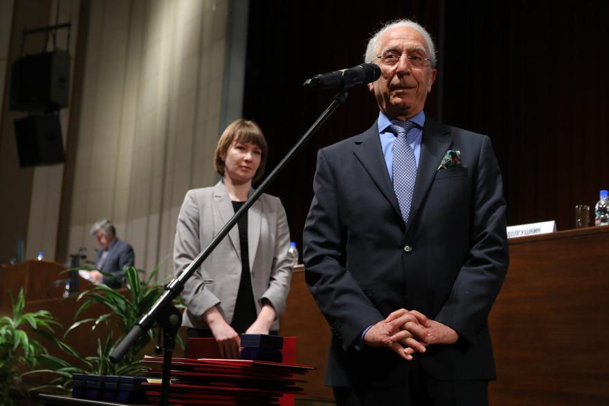 Награждение Маджида Самии  Большой золотой медалью имени Н.И. Пирогова