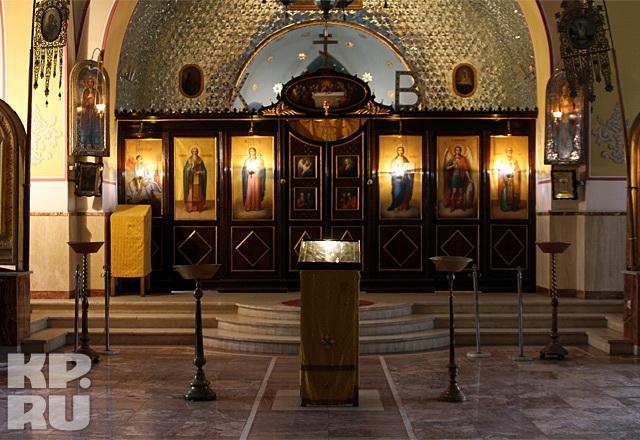 Внутри Свято-Николаевского собора в Тегеране
