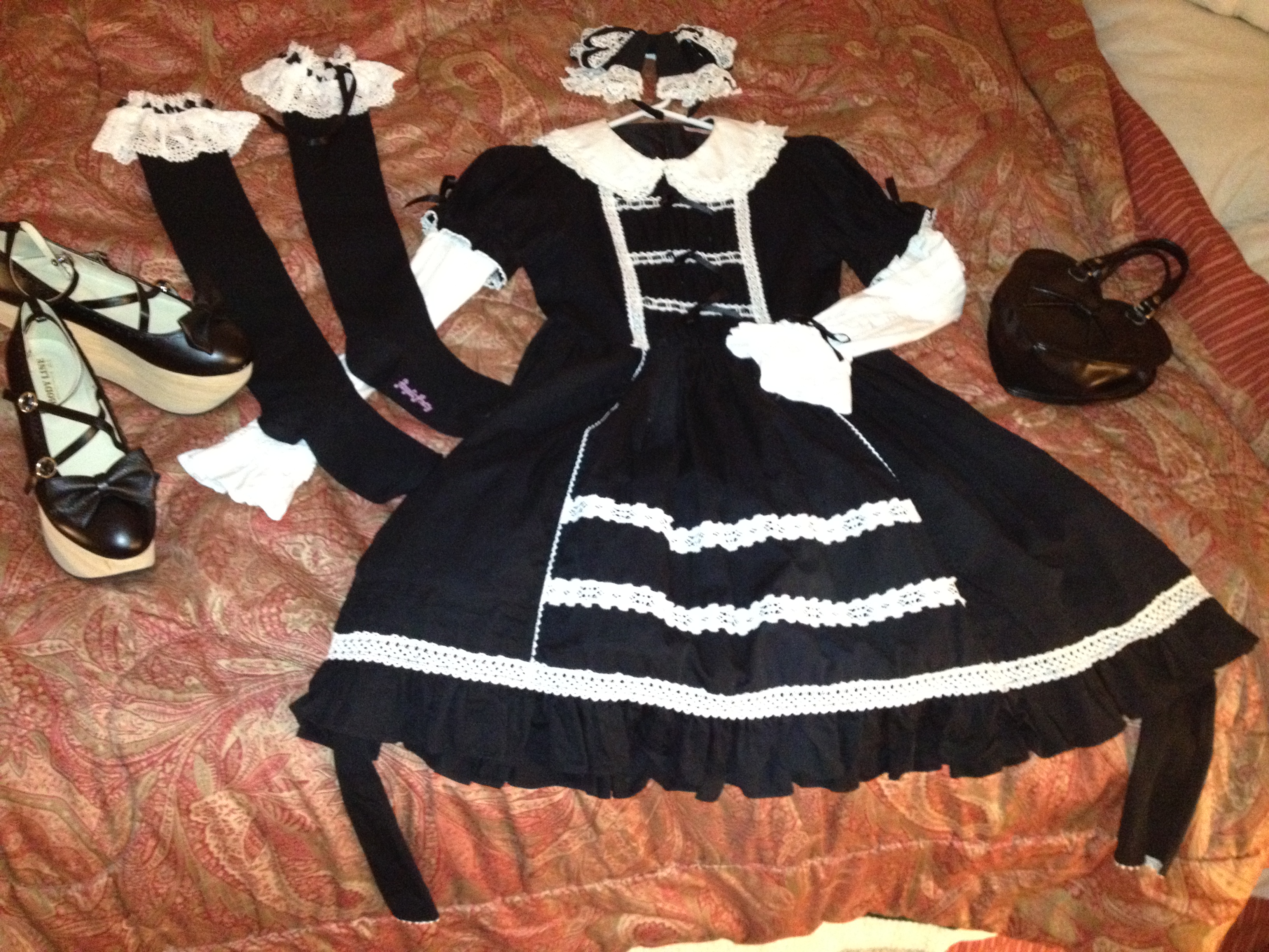 black and whtie AP coord