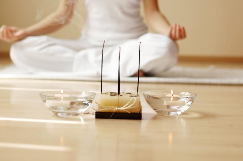 медитация в белом