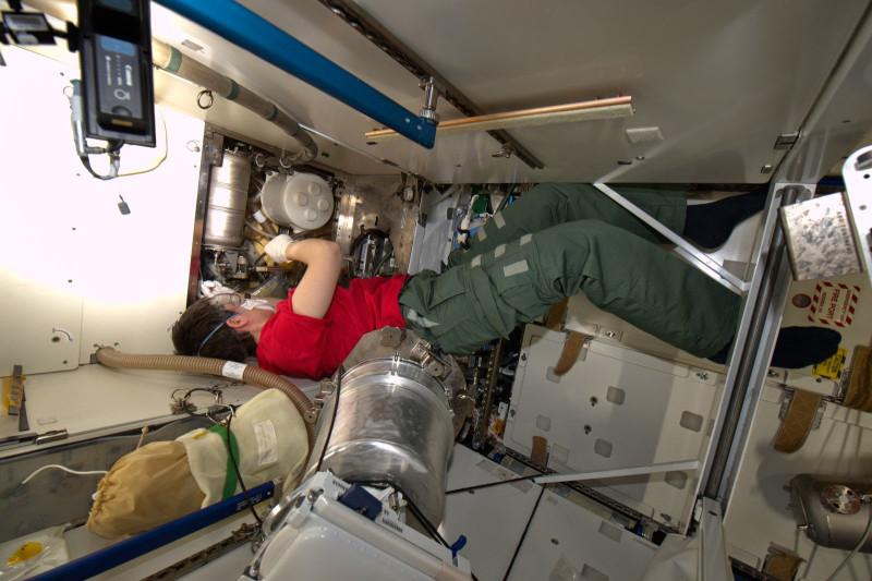 Саманта Кристофоретти работает на МКС