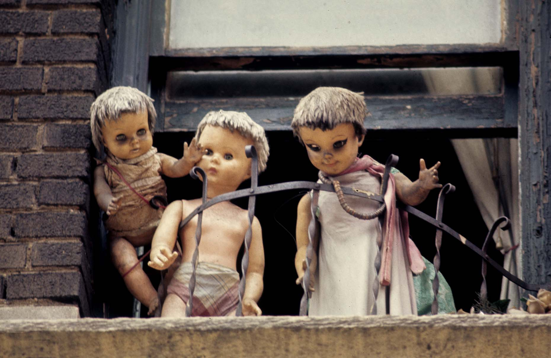17_Dolls, South Bronx, 1970_