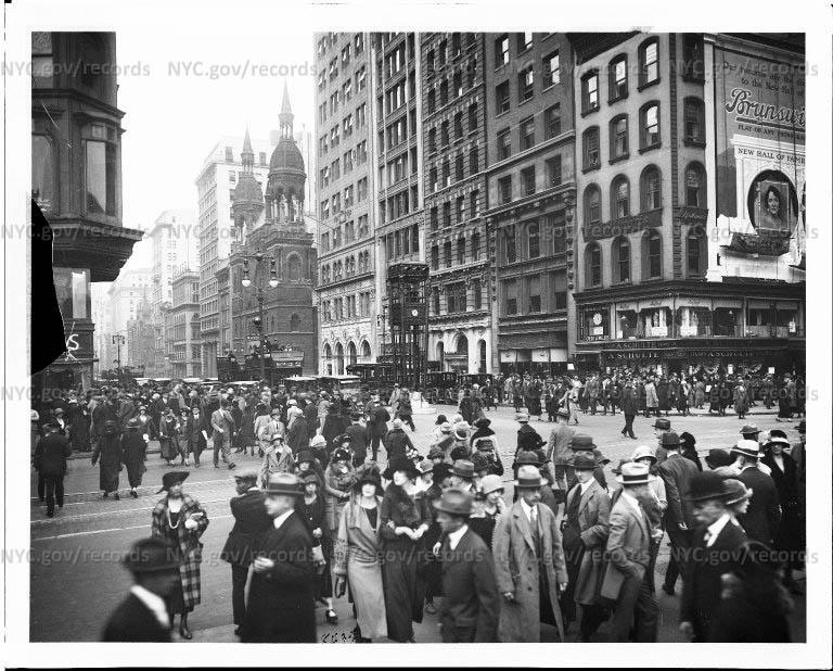 Из истории нью-йоркских светофоров October 18 1923