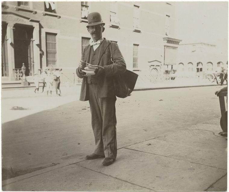 Postman. (1896) 5