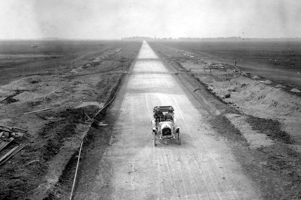 Long Island Motor Parkway Under Construction, 1908