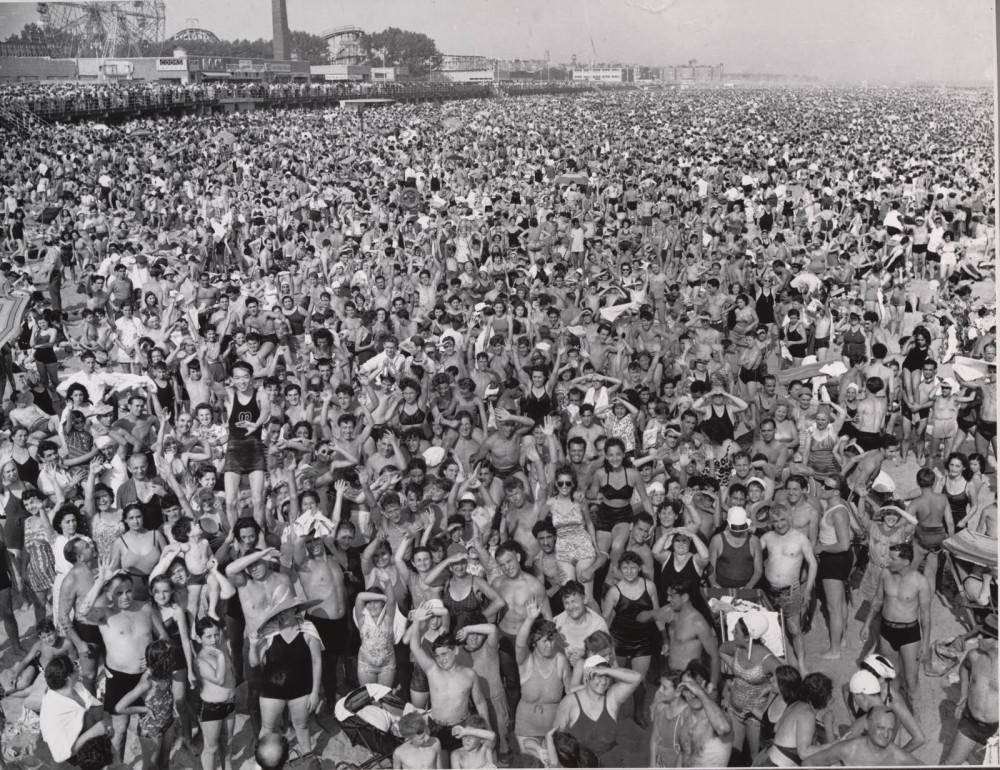Weegee - Coney Island 1940