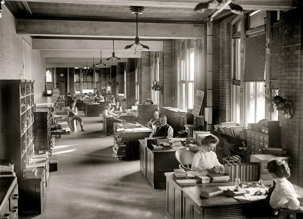 Офис в 1912 году