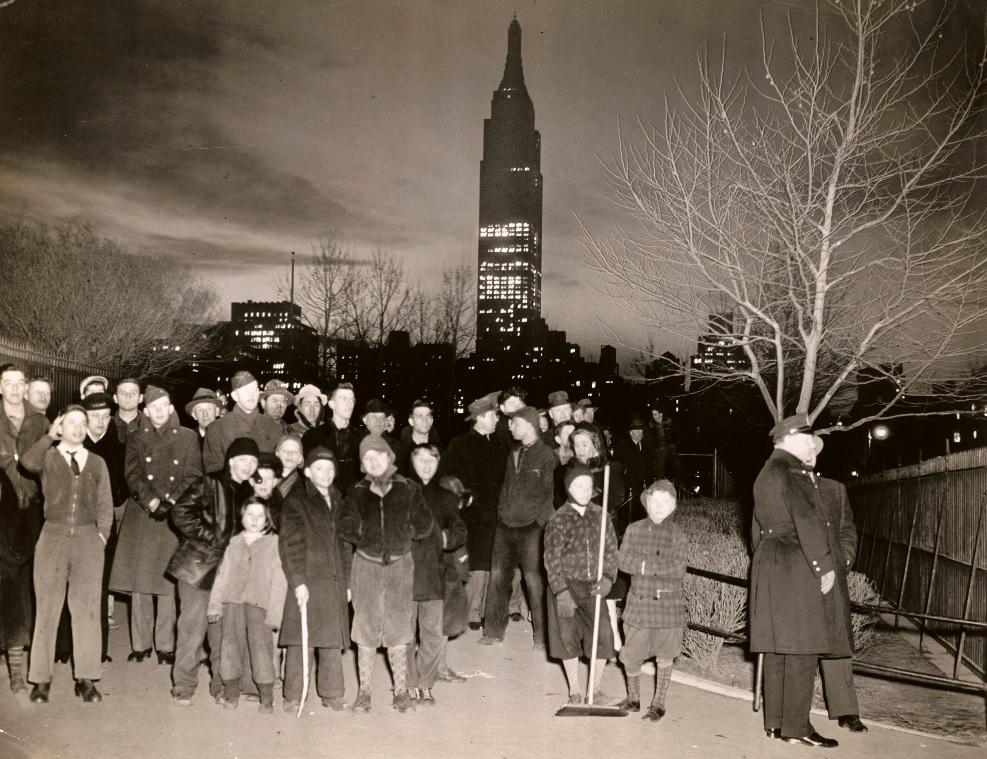 Почему знаменитый небоскреб Эмпайр-стейт-билдинг долгое время стоял полупустым