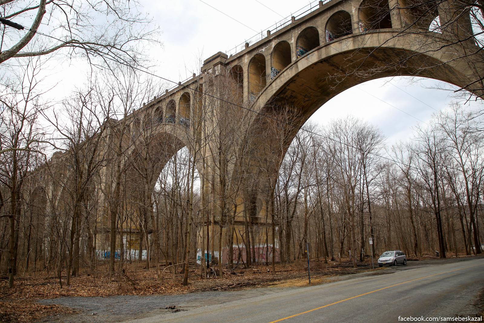 Заброшенный железнодорожный виадук Полинскилл в Нью-Джерси.
