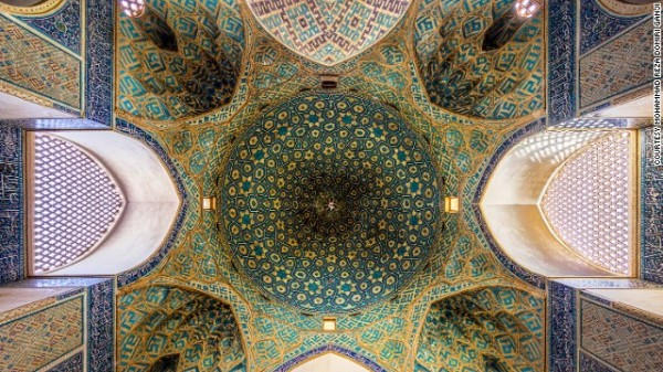 141024164754-amazing-iranian-mosque-photos-11-horizontal-gallery