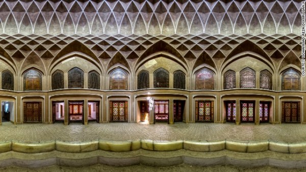 141024164757-amazing-iranian-mosque-photos-horizontal-gallery