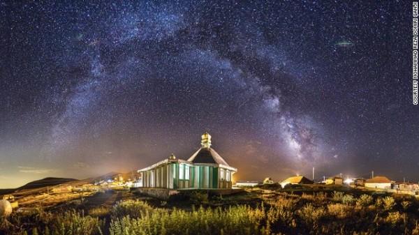 141024164759-amazing-iranian-mosque-photos-10-horizontal-gallery