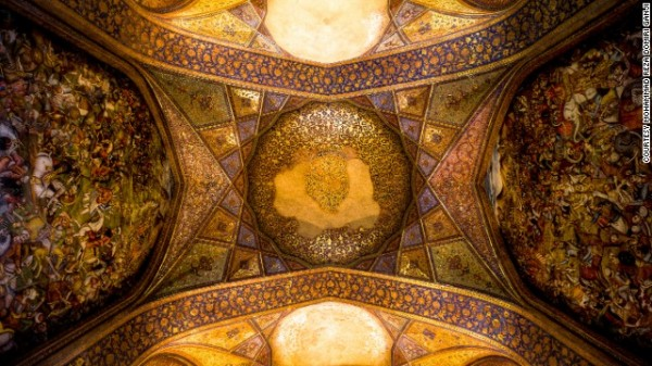 141024164819-amazing-iranian-mosque-photos-4-horizontal-gallery