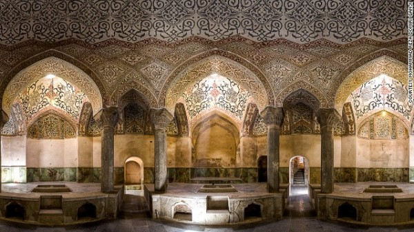 141024172329-amazing-iranian-mosque-photos-13-horizontal-gallery
