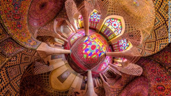 141024172332-amazing-iranian-mosque-photos-horizontal-gallery