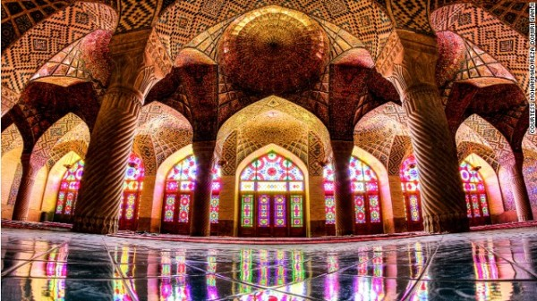 141024172334-amazing-iranian-mosque-photos-horizontal-gallery