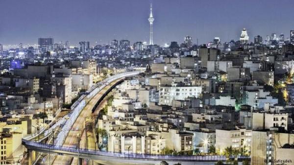 تصاویری-هنرمندانه-از-زیبایی-های-تهران-در-شب-2