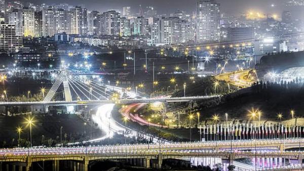 تصاویری-هنرمندانه-از-زیبایی-های-تهران-در-شب-6