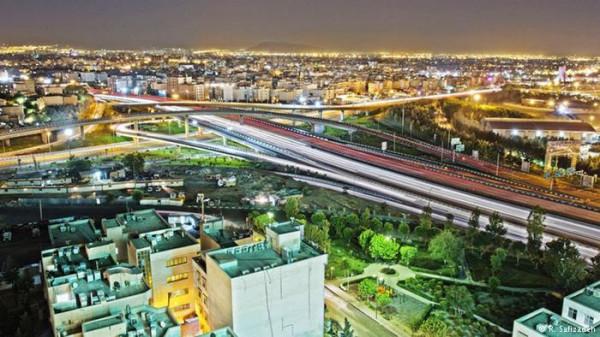 تصاویری-هنرمندانه-از-زیبایی-های-تهران-در-شب-7