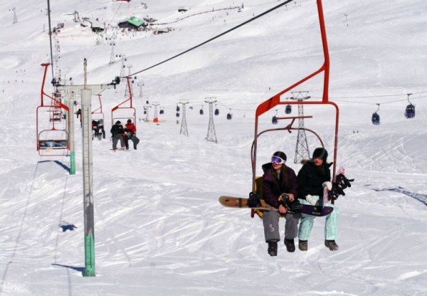 1300624060-nokia-big-air-snowboarding-event-in-iran_630308