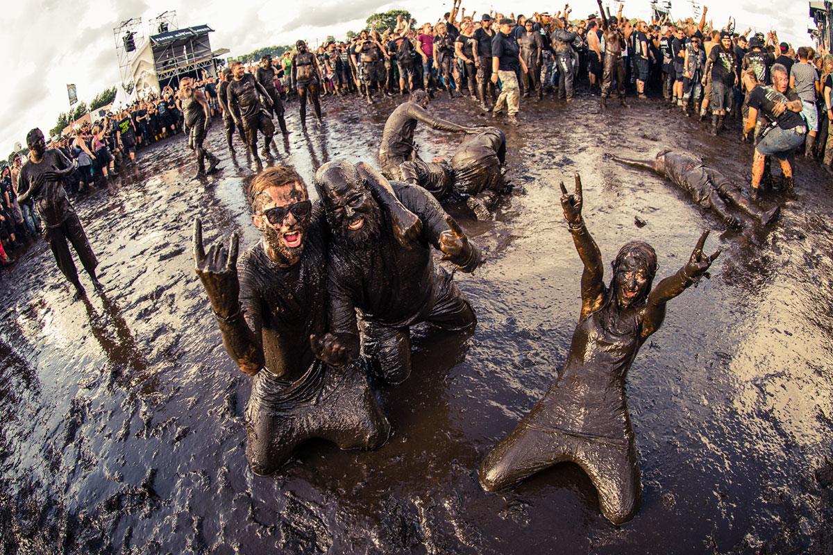 woa-patrick-schneiderwind-mud-people-(13-von-14).jpg