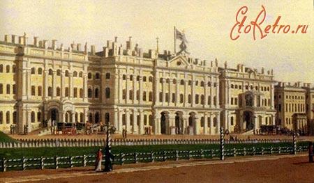 Дворцовая площадь  с газоном
