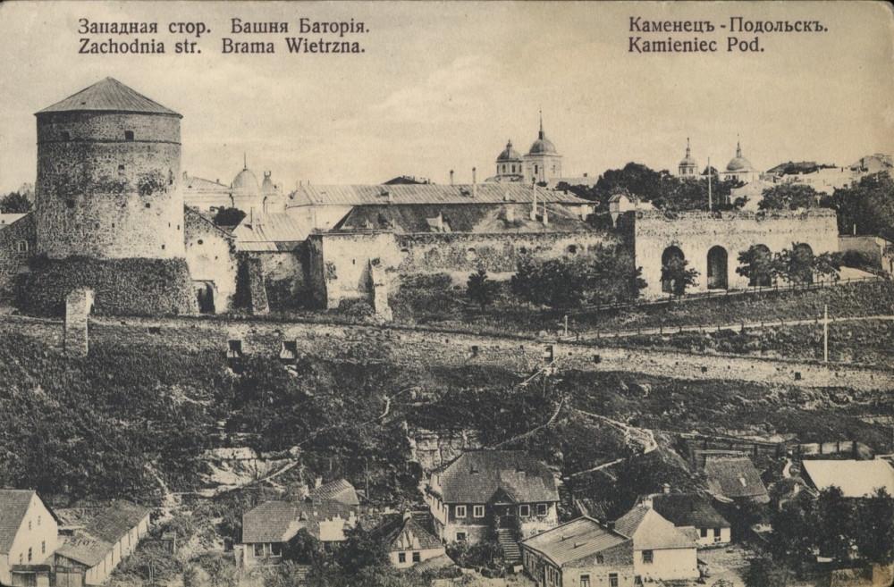 17  Западная сторона башни Батория