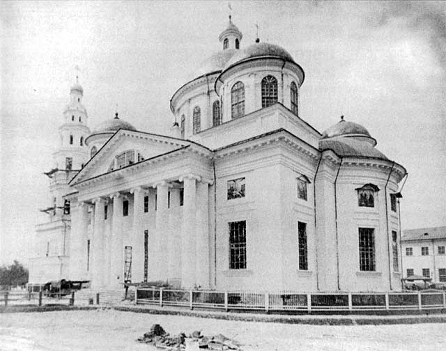 03  Kazan_Bogoroditsky_female_monastery_3