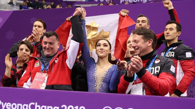 canada-figure-skating-team-gold-flag
