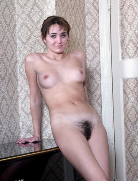 Частное фото голых волосатых русских девушек