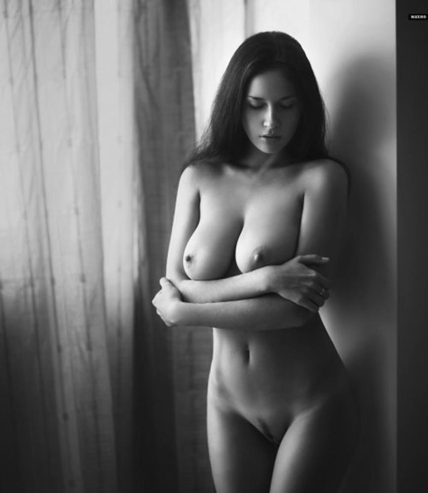 Ню девушки голые