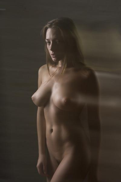1484083755_chirkov-divnoe-zhenskoe-telo-v-art-stile_01