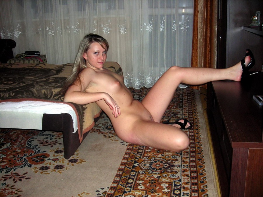 Кременчугского девушек порно, блондинка жестко прыгает на парне в позе наездницы