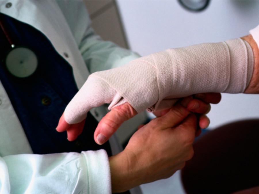 Минтруд обяжет работодателей контролировать синяки сотрудников