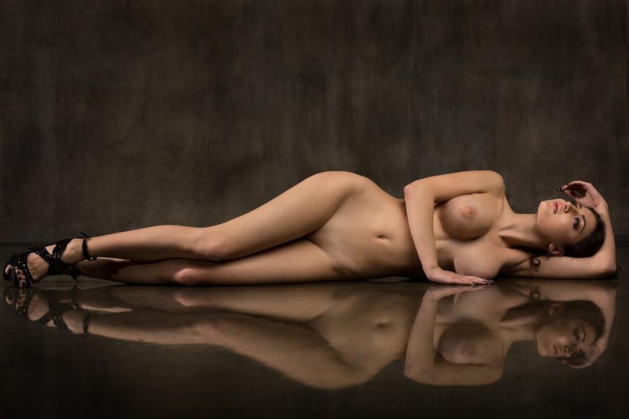 Авторская эротика от фотографа Damp Zergut