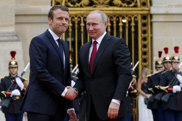 Нельзя врать президенту Франции (с)
