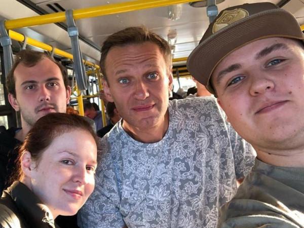 Навальный возвращается!