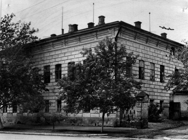 http://library.sgu.ru/100_let/php/show_info.php?year=1910&num=2