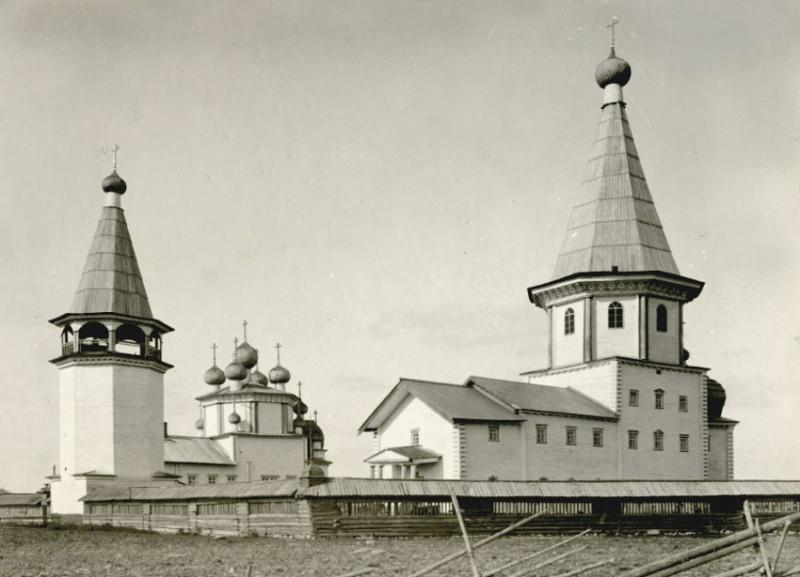 http://sobory.ru/photo/173900