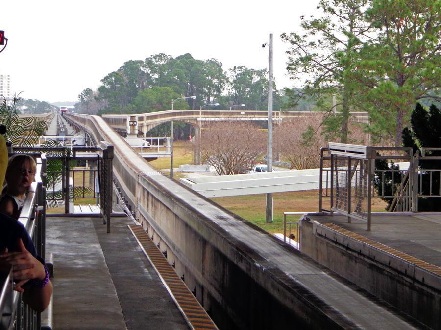 monorail12