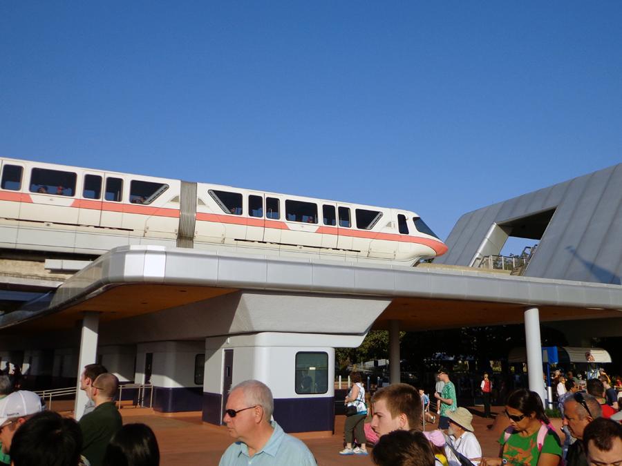 monorail13