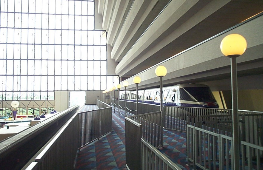 Disneys-contemporary-resort-monorail