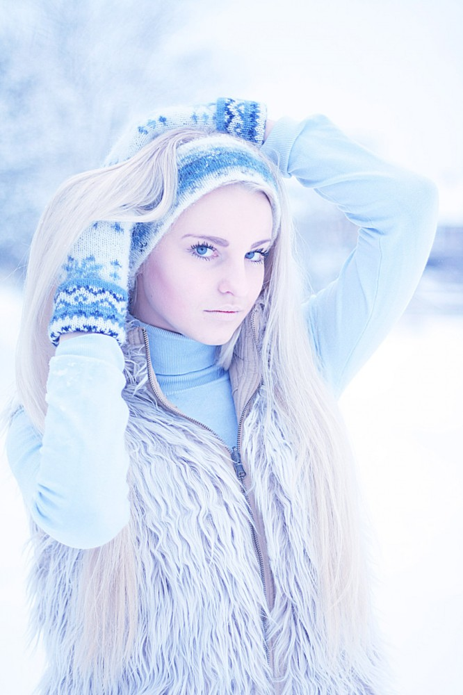 russian_beauty_by_mlooni-d37xxql